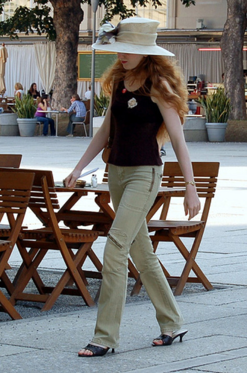 Parisienne woman in trousers www flickr com photos 97041449@n00